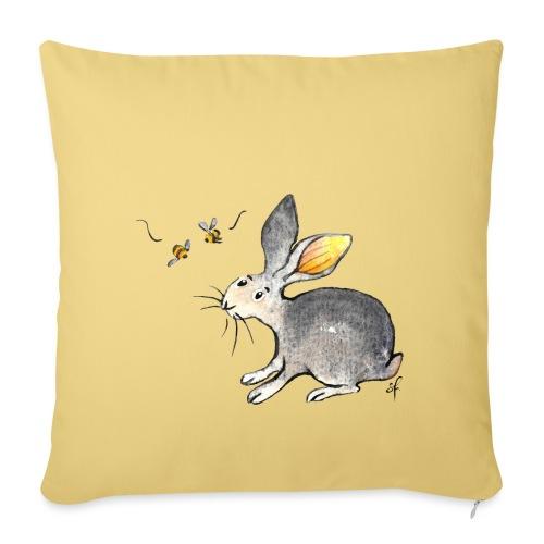 Der kleine Hase schaut sich um. - Sofakissen mit Füllung 44 x 44 cm