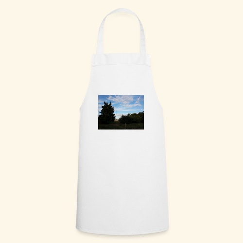 Feld mit schönem Sommerhimmel - Kochschürze
