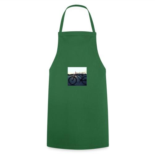 Motyw 2 - Fartuch kuchenny
