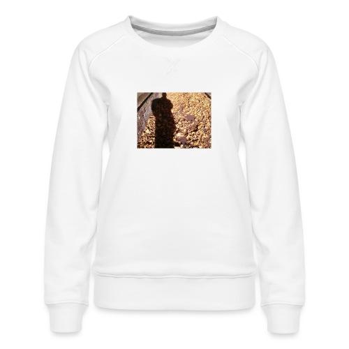 THE GREEN MAN IS MADE OF AUTUMN LEAVES - Women's Premium Sweatshirt