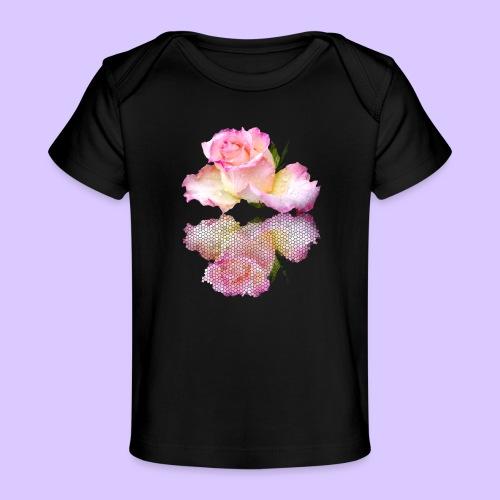 pinke Rose mit Regentropfen im Spiegel, rosa Rosen - Baby Bio-T-Shirt