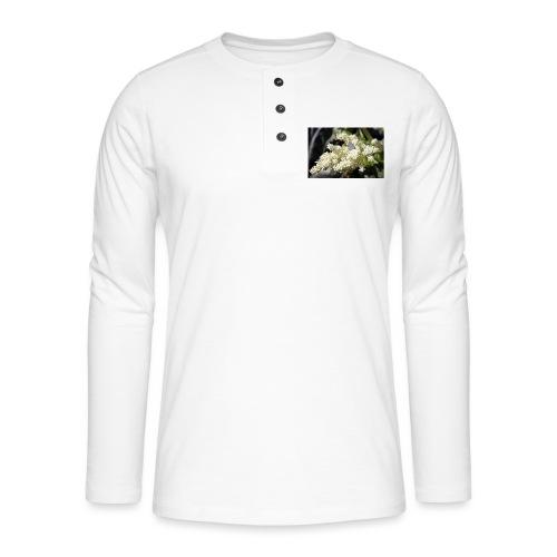 Perhonen raparperin kukalla - Henley pitkähihainen paita
