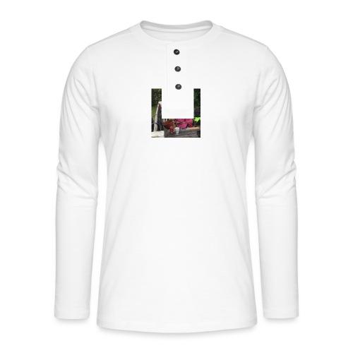 14484925 10209554910602420 3087937525797545518 n - Henley T-shirt med lange ærmer