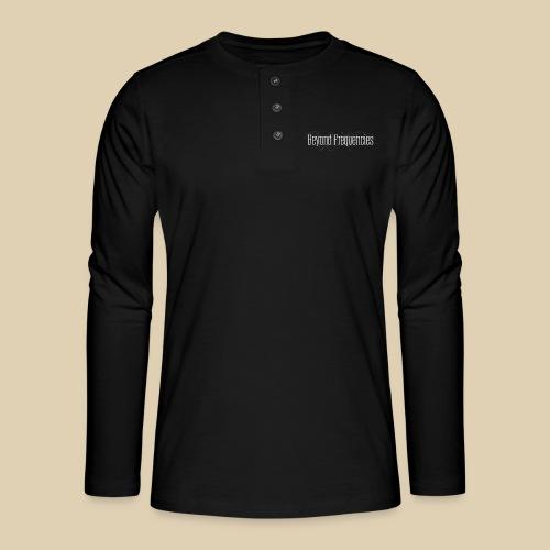 Beyond Frequencies - Classic Design - Henley Langarmshirt