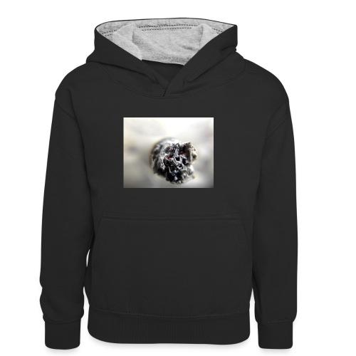 cigarette 1270516 640 - Dziecięca bluza z kontrastowym kapturem