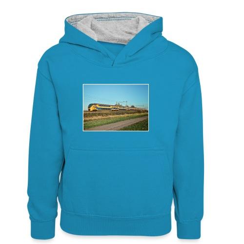 Intercity in Oostzaan - Teenager contrast-hoodie