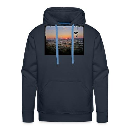 SV Argo - Öresund Bridge sunrise - Men's Premium Hoodie