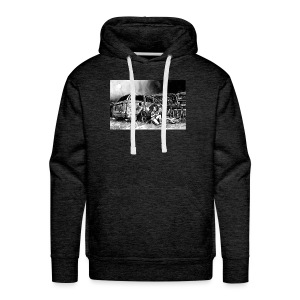 Scarlett Bush hiding from Zombies in Virginia - Men's Premium Hoodie