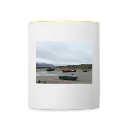 boats on barmouth beach - Contrasting Mug