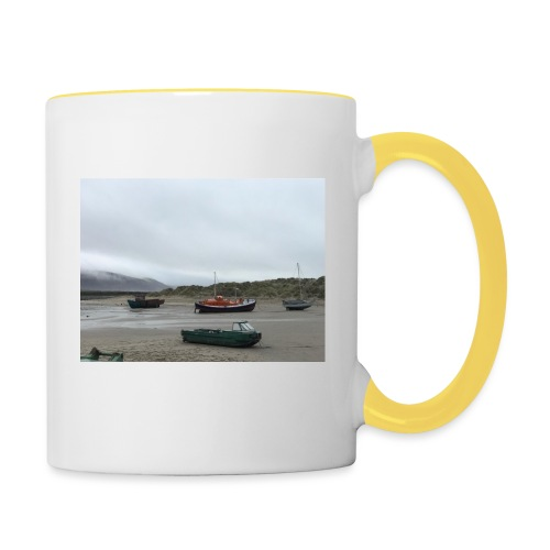 boats on barmouth beach - Contrasting Mug