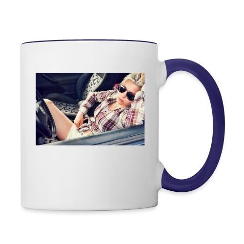 Cool woman in car - Contrasting Mug