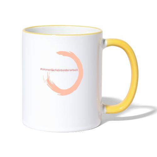 Immer Lächeln bei der Arbeit - Tasse zweifarbig