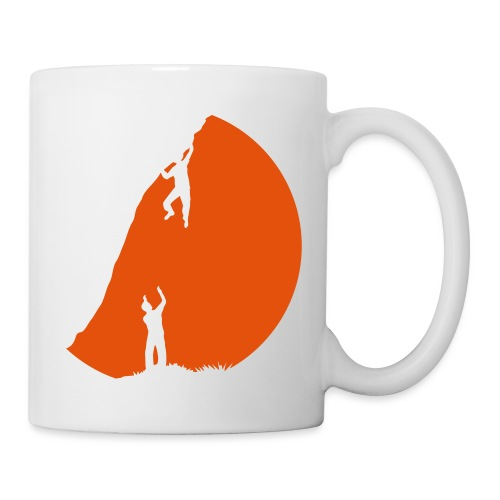 Boulderer mit Spotter im Sonnenuntergang - Tasse