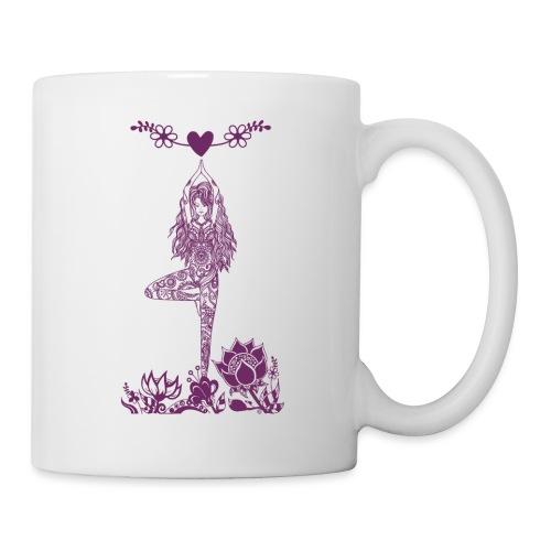 Yogagirl in Baum Asana mit Blumen und Herz - Tasse