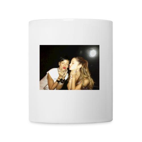 Grande et Fenty 960x720, 2 Chanteuses Américaines. - Mug blanc