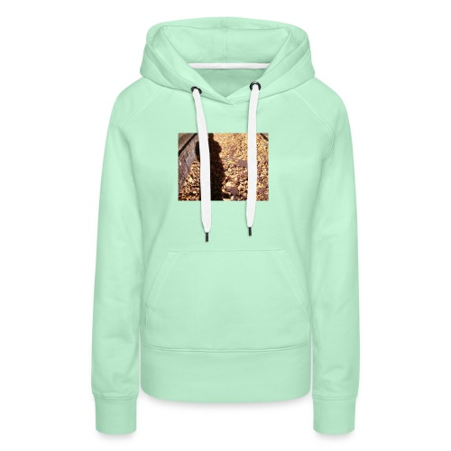 THE GREEN MAN IS MADE OF AUTUMN LEAVES - Women's Premium Hoodie