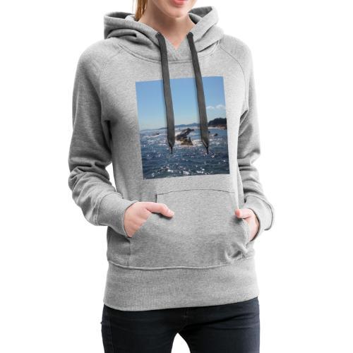 Mer avec roches - Sweat-shirt à capuche Premium pour femmes