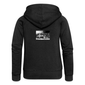Scarlett Bush hiding from Zombies in Virginia - Women's Premium Hooded Jacket