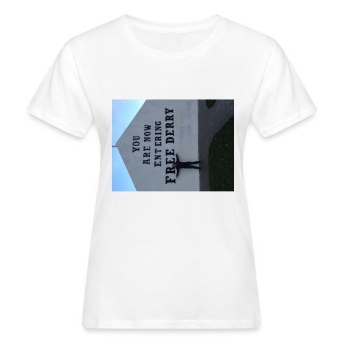 free derry - Women's Organic T-Shirt