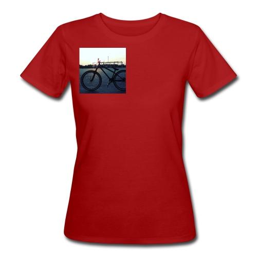 Motyw 2 - Ekologiczna koszulka damska