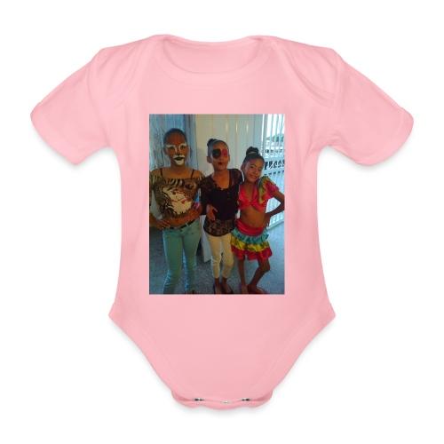 16836465 10212265087321751 6800250659166245572 o - Body orgánico de maga corta para bebé