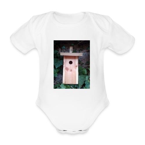 Der Nistkasten - Luxus für den Garten-Vogel - Baby Bio-Kurzarm-Body