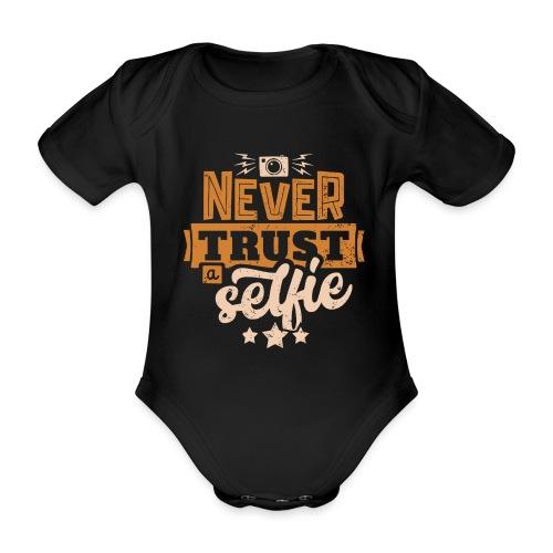 Never trust - Ekologisk kortärmad babybody