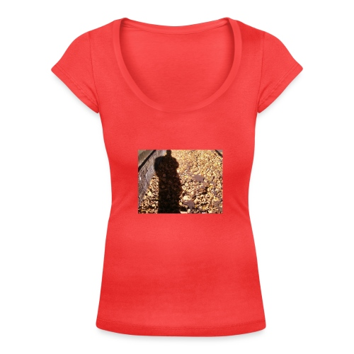 THE GREEN MAN IS MADE OF AUTUMN LEAVES - Women's Scoop Neck T-Shirt