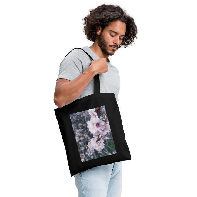 Vetement avec image fleurs de sakura