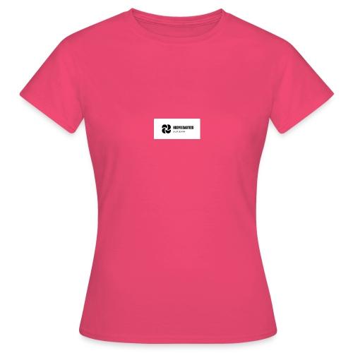BDB18500 4053 4746 A5AF 6680BAFA16DB - T-shirt dam