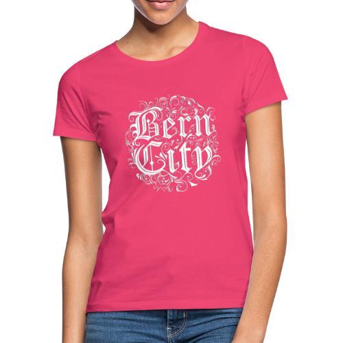 Berncity Typo 01 white edition - Frauen T-Shirt