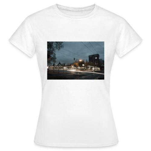 Oberhausen Hauptbahnhof Langzeitbelichtet - Frauen T-Shirt