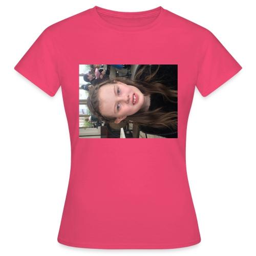 3D6EB056 4D05 425F A319 3E38EA7B6298 - T-shirt dam