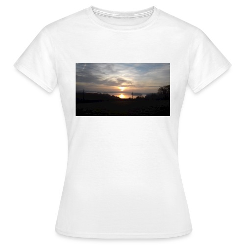 sun set - Women's T-Shirt
