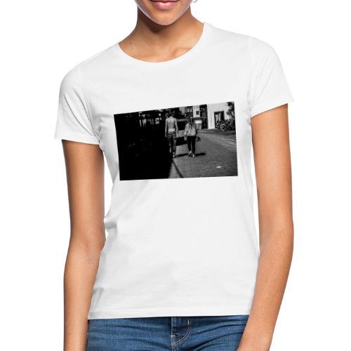 Grenzgang - Frauen T-Shirt