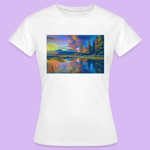 Paesaggio al tramonto con laghetto stilizzato - Maglietta da donna