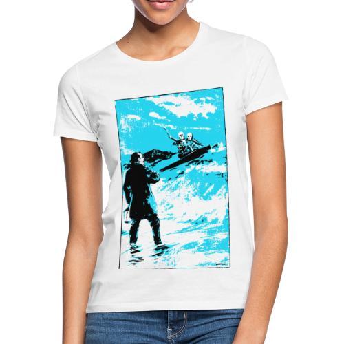 surfer skeletons - Women's T-Shirt