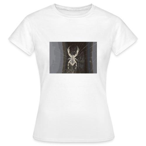 attacking spider - Frauen T-Shirt