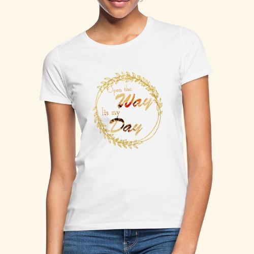 its my day weddingcontest - Women's T-Shirt