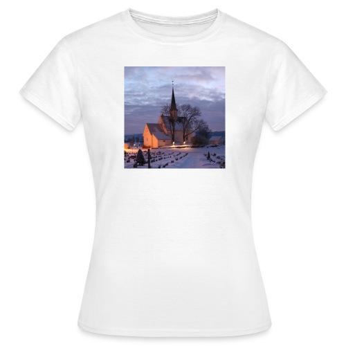 nannestad kirke f - T-skjorte for kvinner