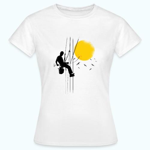 Minimal moon drawing - Women's T-Shirt