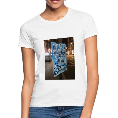 POLO K_T_M LA_FAMIGLIA X iorestoacasaArtistiUniti - Maglietta da donna