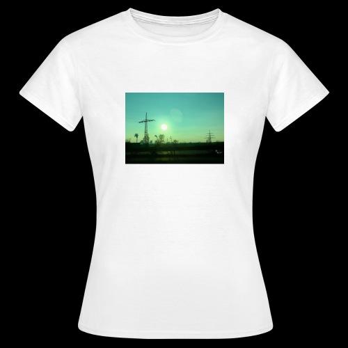 pollution - Vrouwen T-shirt