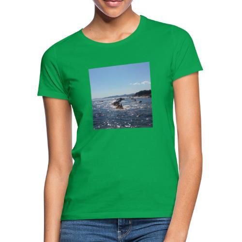 Mer avec roches - T-shirt Femme