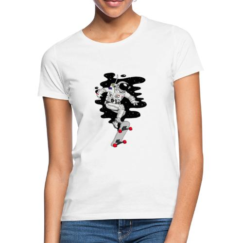 skate on the moon - Camiseta mujer