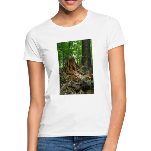 Strunk in Forest - Frauen T-Shirt