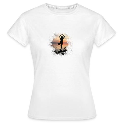 Sonnenuntergang Yoga - Frauen T-Shirt