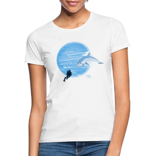 Dolphin and diver - Maillots - T-shirt Femme