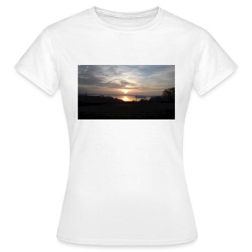 sun set - Women's T-Shirt