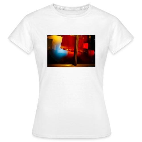 Pub primario. - Camiseta mujer